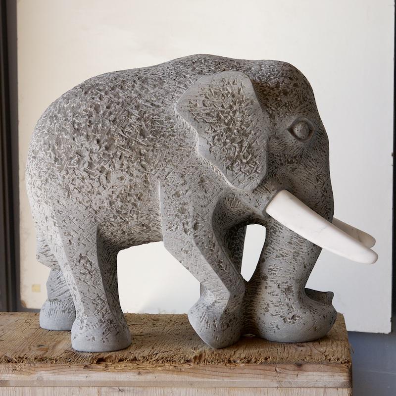 Elefant St.Michel französischer Kalkstein