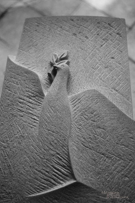 Sandstein Taube relief