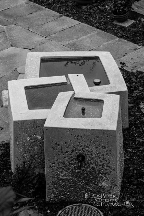 Brunnenanlage im Material St. Michel in Hergiswil