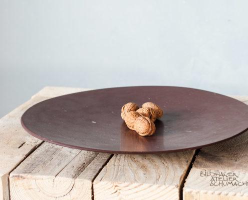 Melsener Schieferplatte mit Nüssen