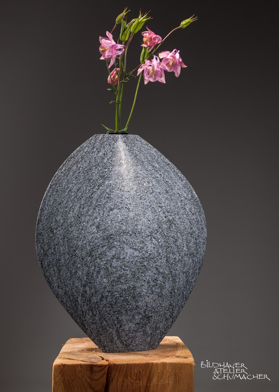 Blumenvase Maggia Gneis, Schweiz