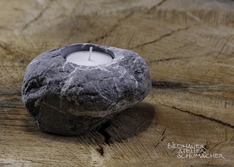 Kerzenhalter aus Flusskiesel Engelberger Aa